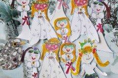Små Luciapiger (Engle og Trompeter). Tegnet af Caroline (og veninde Simone). Barnebarn af Mimi og Poul Jespersen